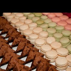 Sweets Party Entertainment, Macaroons, Tasty Dishes, Deserts, Sweets, Cookies, Dessert Ideas, Party Ideas, Entertaining
