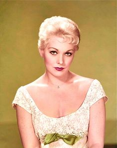 1950's KIM NOVAK color glamour portrait photo (Celebrities & Musicians)