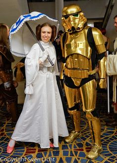 The gold stormtrooper! Star Wars 2015 episode 7 #dragoncon #starwars #goldstormtrooper