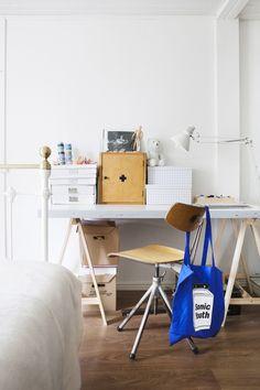 my scandinavian home: Finnish home with vintage finds Best Interior Design, Interior Design Inspiration, Interior Ideas, Design Ideas, Study Nook, Workspace Inspiration, Home Desk, Home Bedroom, Bedroom Ideas