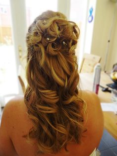 half up half down classic bridal look on one of my beautiful brides. Hair By Laura Hughes