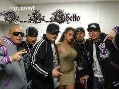 De La Ghetto : Canciones Nuebas:  De La Ghetto - Se Te Nota (Prod. By Live Music) [Massacre Musical] http://www.mediafire.com/?5gvlx3ol1jz  Daddy Yankee Ft Arcangel,Guelo Star,Cosculluela,Ñejo,De La Ghetto,Voltio,MC Ceja & Baby Rasta - Somos De Calle (OFiCial RmX) http://www.mediafire.com/?0zimy7exxoi  De La Ghetto Ft. Mayra Veronica - Es Tan Dificil (Official Remix) http://www.mediafire.com/?12eb4dmumdr  Arcangel Y De La Ghetto - Te Estoy Buscando (( Los Brothers )) http: