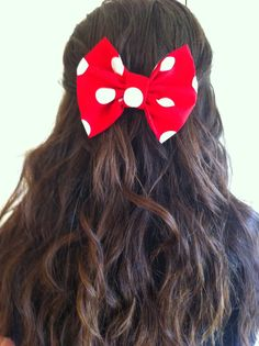 I made Minnie Mouse hair bows today :)