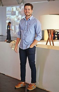 Best business casual outfits for men 18 - Men's style, accessories, mens fashion trends 2020 New Balance Shoes Men, New Balance Outfit, Business Outfit Herren, Look Casual Hombre, Best Business Casual Outfits, Business Casual Outfits Men, Men's Casual Outfits, Mens Dress Outfits, T-shirt Und Jeans
