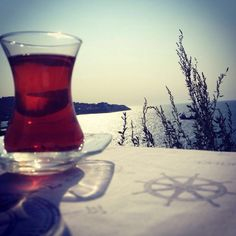Çay... Alcoholic Drinks, Wine, Glass, Drinkware, Corning Glass, Liquor Drinks, Alcoholic Beverages, Liquor, Yuri