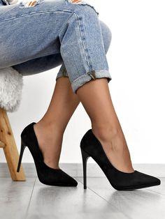 Γόβες Suede Μαύρες - No Mercy Carrie Bradshaw Style, High Shoes, Pretty Shoes, Shoe Closet, Stiletto Heels, Fashion Shoes, Footwear, Pumps, Photoshoot