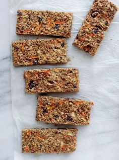 Ricardo& recipe for a breakfast bar with apple and carrot Breakfast Bars, Breakfast Recipes, Breakfast Ideas, Gourmet Recipes, Snack Recipes, Calories In Vegetables, Ricardo Recipe, Yummy Food, Tasty