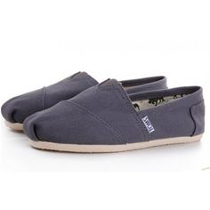 Womens Toms shoes Classics Wow, great Toms shoes you have there. Anyway, I'd like to share the most fashionable collections in this Toms Outlet! Toms Shoes For Men, Cheap Toms Shoes, Toms Shoes Outlet, Tom Shoes, Shoes Women, Shoe Outlet, Cheap Sneakers, Toms Ballet Flats, Espadrilles