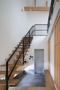 Staircase Design Modern, Modern Design, Japanese Lifestyle, Interior Architecture, Interior Design, Smart Home, Ideal Home, Entrance, Kitchen Decor