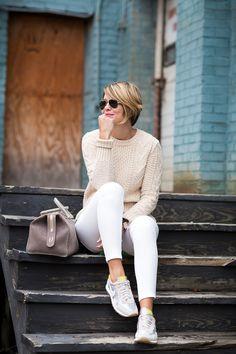 The Denim Diaries Look Fashion, Winter Fashion, Fashion Outfits, Womens Fashion, Petite Fashion, Curvy Fashion, Pijamas Women, White Jeans Outfit, White Pants
