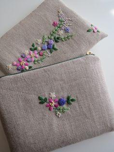 刺繍のフラットポーチ(ピンクとパープルの花) 2x