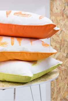 You can't miss the 'Trendy OSB' collection by J-line! OSB has a young and industrial look. Bed Pillows, Pillow Cases, Home, Pillows, Ad Home, Homes, Haus, Houses