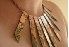 Upcycled Jewelry Turns Circuit Boards Into Stunning, Wearable Pieces : TreeHugger