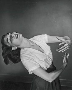 Philippe Halsman. Enrica Soma 1949. Via ebay