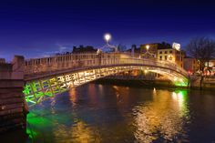 Ireland, Dublin, Half Penny bridge by night - Cool facts about an interesting - and historical - bridge!