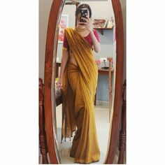 Dress Indian Style, Indian Fashion Dresses, Indian Designer Outfits, Indian Outfits, Saree Fashion, Saree Wearing Styles, Saree Styles, Dress Styles, Saree Blouse Patterns