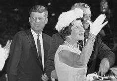 Rose Kennedy | Rose Kennedy waves to delegates at the Democratic National Convention ...