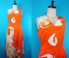 Japanese kimono dress - V neck - flowers by PriscillaTokyo on Etsy