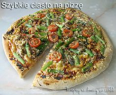 SZYBKIE CIASTO NA PIZZĘ Vegetable Pizza, Bread, Vegetables, Food, Meal, Brot, Breads, Vegetable Recipes, Hoods