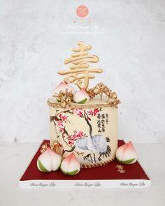 手繪中國風的蛋糕🀄 . . . For order/ enquiry Whatsapp: 97120807 Facebook: Moei Sugar Art