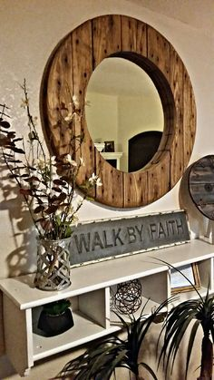 Add some pizzazz to your farmhouse decor with this over-sized spool mirror. Farmhouse Mirrors, Rustic Mirrors, Wood Mirror, Farmhouse Decor, Interior Decorating Tips, Decorating Your Home, Palette Furniture, Fixer Upper Decor, Diy Home Furniture