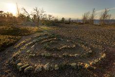 Vattajanniemellä on pohjoismaiden pisin hiekkaranta. Jopa 15km hiekkaa. Niemen kärjessä on Ohtakarin saari, jonka historia alkaa jo 1500-luvulta.
