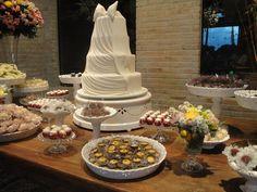 Participação de mais um casamento! Evento realizado no Pátio no dia 03 de maio de 2014 com bolo, doces, bem casados.