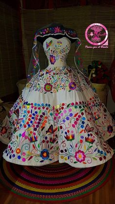 Mexican Theme Dresses, Mexican Fancy Dress, Quince Dresses Mexican, Mexican Outfit, Dresses For Teens, 15 Dresses, Pretty Dresses, Evening Dresses, Mexican Traditional Clothing
