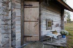 Sauna Ideas, Finnish Sauna, Saunas, Wall Street Journal, Cottage Homes, Log Homes, Bad, Finland, Cabins
