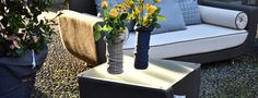 Il tavolino Bean possiede una struttura di metallo verniciato, rivestito in Batyline misto cotone di Serge Ferrari, come top un piano in cristallo, legno Iroko, Teck e Hpl, a scelta del cliente. Showroom, Ferrari, Projects, Top, Outdoor, Furniture, Home Decor, Log Projects, Outdoors