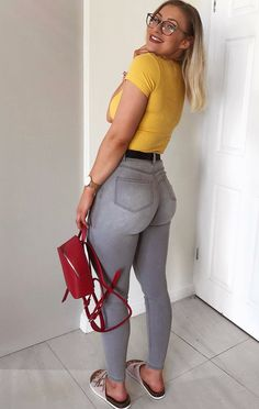 Image may contain: 1 person, standing and shoes Body Bible, Grey Jeans, Beautiful Curves, Coming Out, Black Women, Leggings Are Not Pants, Capri Pants, How To Wear, Womens Fashion
