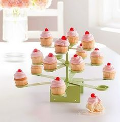DIY Cupcake stand! soiree-super-party-ideas