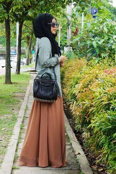 Color of the skirt Muslim Women Fashion, Islamic Fashion, Modest Outfits, Modest Fashion, Fashion Outfits, Style Fashion, Hijab Stile, Street Hijab Fashion, Hijab Fashionista