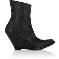 Ben Taverniti Unravel Project Women's Snakeskin Wedge Ankle Boots (€1.390) ❤ liked on Polyvore featuring shoes, boots, ankle booties, ankle boots, black, pointed toe ankle boots, black wedge ankle booties, black wedge boots, black ankle booties and wedge bootie