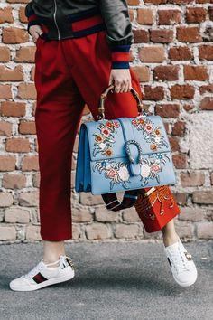 The Very Popular Gucci Handbags - BagBagg Moda Streetwear, Streetwear Fashion, Gucci Sneakers Outfit, Gucci Shoes, Fashion Handbags, Chic Outfits, Street Style Women, Fashion Brands, Ideias Fashion
