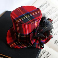 Items similar to Steampunk Mini Top Hat - Christmas Red Plaid with Miniature Crow - Ready to Ship on Etsy Mode Tartan, Tartan Plaid, Steampunk Hat, Steampunk Fashion, Steampunk Necklace, Steampunk Clothing, Tweed, Tartan Fashion, Emo Fashion