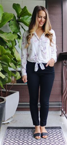 Jules in Flats - Tie Front Floral Blouse