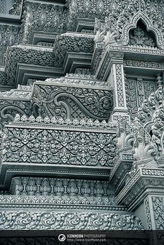 Cambodia Royal Palace, Phnom Penh, detailed architecture luv it Architecture Classique, Architecture Antique, Indian Architecture, Beautiful Architecture, Beautiful Buildings, Architecture Details, Beautiful Places, Laos, Phnom Penh