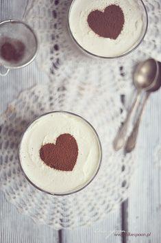 Prosty deser z macarpone | blue spoon - blog kulinarny Cake Recipes, Dessert Recipes, Desserts, Spoon, Food Photography, Food And Drink, Keto, Sweets, Mascarpone