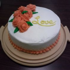 My first cake with roses