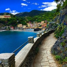 Monterroso al Mare, Cinque Terre