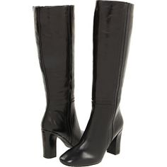I'm also coveting some black boots.
