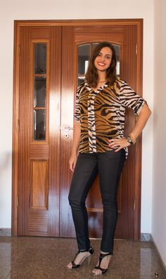 Look com estampa de bicho / Animal print outfit