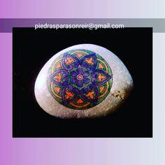 Serie mandalas #piedraspintadas #posca #piedrasparasonreir #stonepaintingart #paintedstone #paintingstone #mandala #artstone #arteenpiedra #piedraspintadasamano #handmade #regalooriginal
