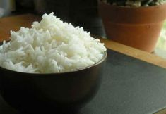 How to cook perfect white rice on the stove. Simple step-by-step instructions + … How to cook perfect white rice on the stove. Simple step-by-step instructions + cooking conditions for all types of rice. Cooking Chef Gourmet, Cooking Tips, Cooking Recipes, Cooking Games, Cooking Classes, Cooking Bacon, Cooking Quotes, Couple Cooking, Cooking Pasta