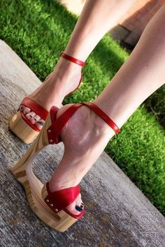 Platform High Heels, Black High Heels, High Heel Boots, Ladies High Heel Shoes, Red Stiletto Heels, Stilettos, Sexy Sandals, Sexy Heels, Beautiful High Heels