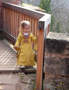 A child's wool Bliaut    Comtesse EzaBella