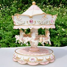 Laxury 4-horses Carousel Music Box WS09048B Brand New Polyresin Material Large