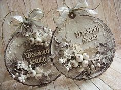 Idea for christmas card baubles... Could use large scalloped circle cutter to cut thick card with a bit not cut for the hanger. And plenty of glitter - maybe use a tree trunk embossing folder and the sleigh ride thinlits for lots of depth
