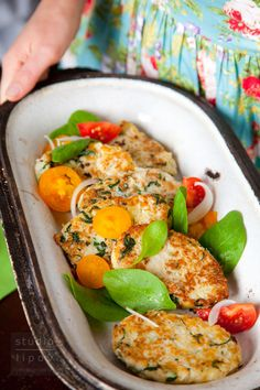 Kotlety z kalafiora Going Vegetarian, Vegetarian Lunch, Vegetarian Recipes, Healthy Recipes, Lunch Recipes, Baby Food Recipes, Dinner Recipes, Cooking Recipes, Healthy Snacks